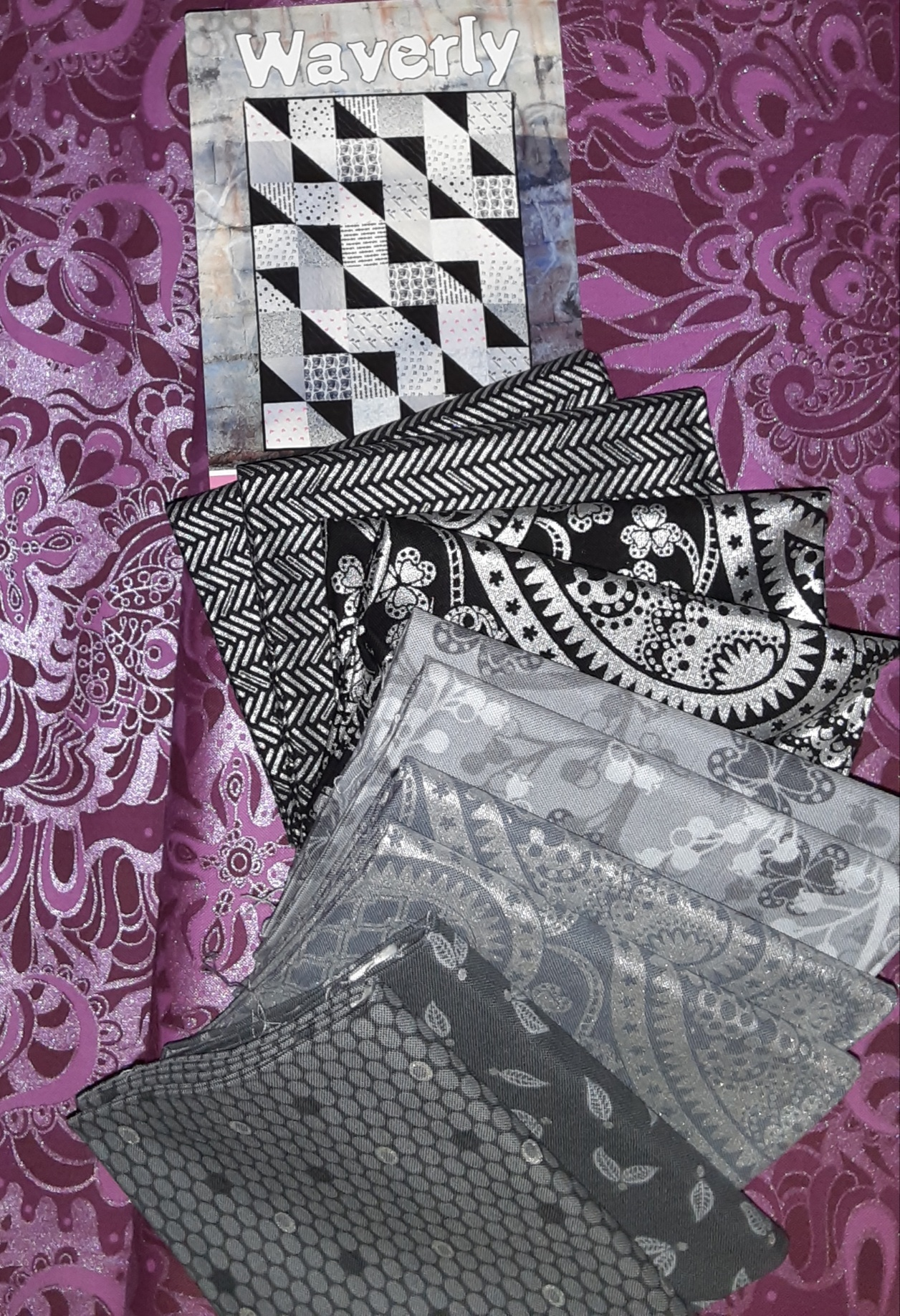 Waverly Quilt Kit with Jubilee Silver - DARK